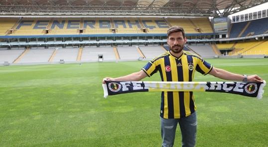 """Şener Özbayraklı: """"Uzun zamandır kendimi Fenerbahçe için hazırlıyor galerisi resim 1"""