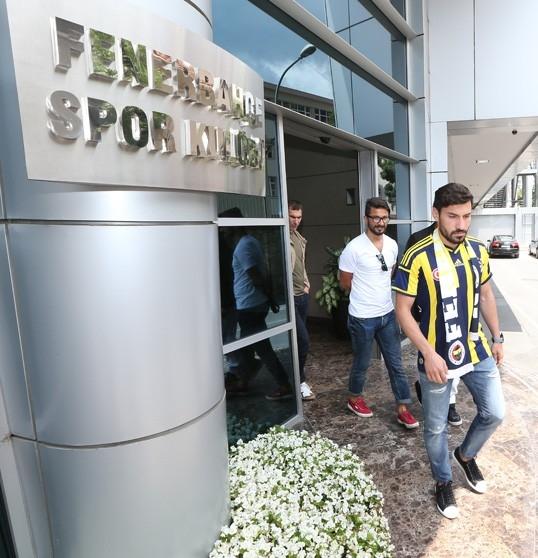 """Şener Özbayraklı: """"Uzun zamandır kendimi Fenerbahçe için hazırlıyor galerisi resim 10"""