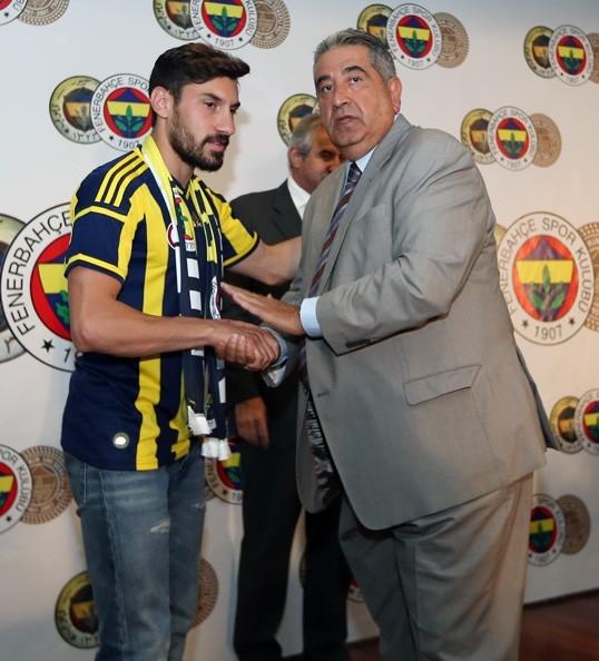 """Şener Özbayraklı: """"Uzun zamandır kendimi Fenerbahçe için hazırlıyor galerisi resim 6"""