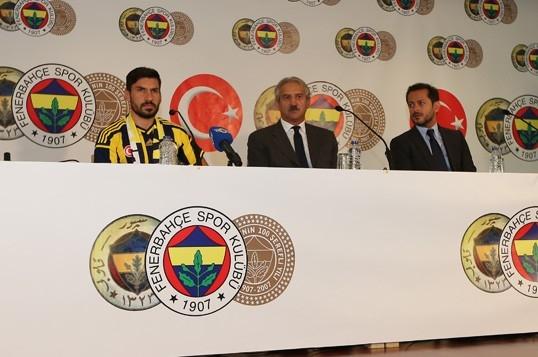 """Şener Özbayraklı: """"Uzun zamandır kendimi Fenerbahçe için hazırlıyor galerisi resim 7"""