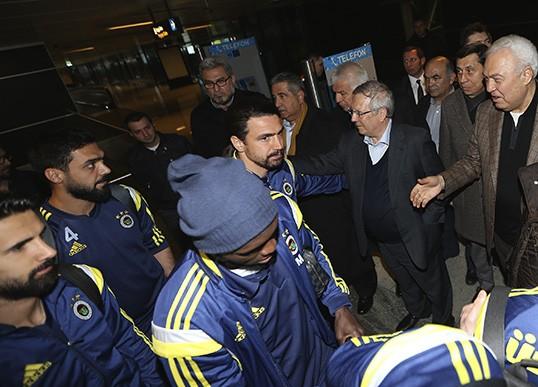 Fenerbahçe Kafilesini Başkan ve taraftarlar Karşıladı