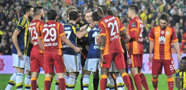 Galatasaray'ın 2 yıldızı haftaya yok!