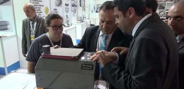 Görme engelliler için oy kullanma cihazı