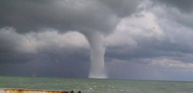 Akdeniz'de hortum dehşeti