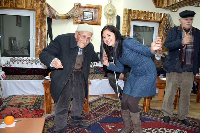 Aksaray belediyesinden yaşlılara özel eğlence programı