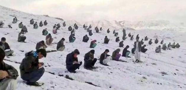 Kabil'deki üniversite sınavı dünya gündeminde