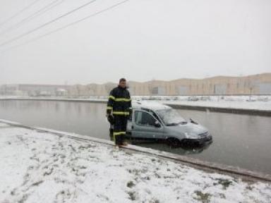 Konyada etkili olan kar yağışı kazaya  neden oldu