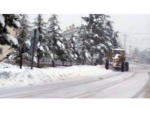 Konyanın O ilçesinde etkili kar yağışı