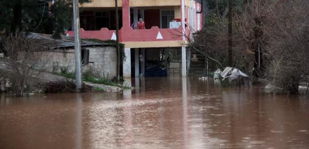 Muğla'da sel sularına kapılan kişi öldü