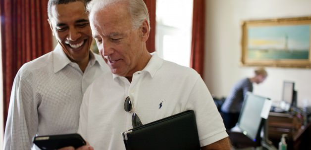 Obama, iPhone'u ilk görenler arasındaymış