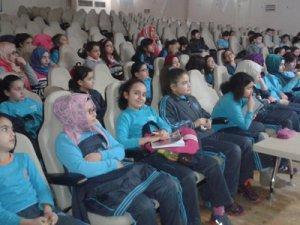 Özel Gençlik'te Öğrencilere sınav stratejileri anlatıldı