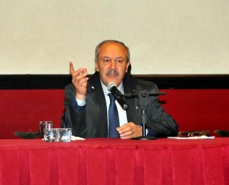 Prof. Dr. Mehmet Çelik'ten Akşehir'de Konferans