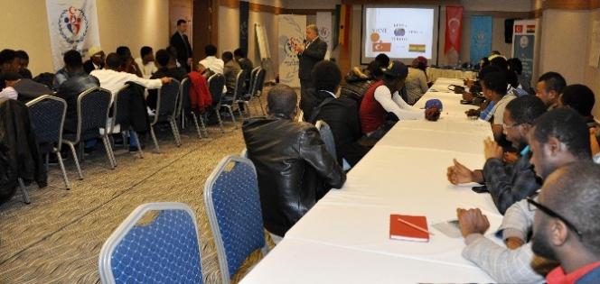 Rektör Şeker Ganalı Öğrencilerle Bir Araya Geldi