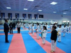 Altay, Spor Okulu Öğrencileriyle Buluştu