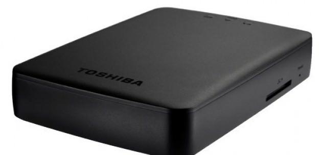 Toshiba'dan 1 TB'lık kablosuz taşınabilir disk