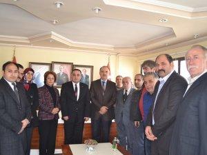 Vali Muammer Erol'dan MHP'ye başsağlığı ziyareti