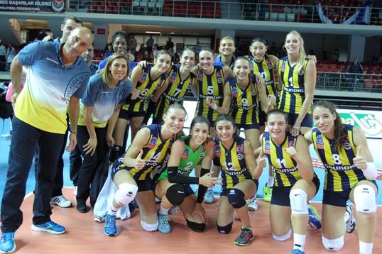 Sarı Melekler Süper Kupa'da Final Maçına Çıkıyor