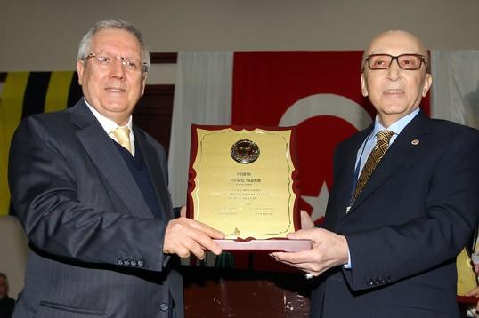 Vefa Küçük, Fenerbahçe YDK Başkanlığı'na Yeniden Seçildi