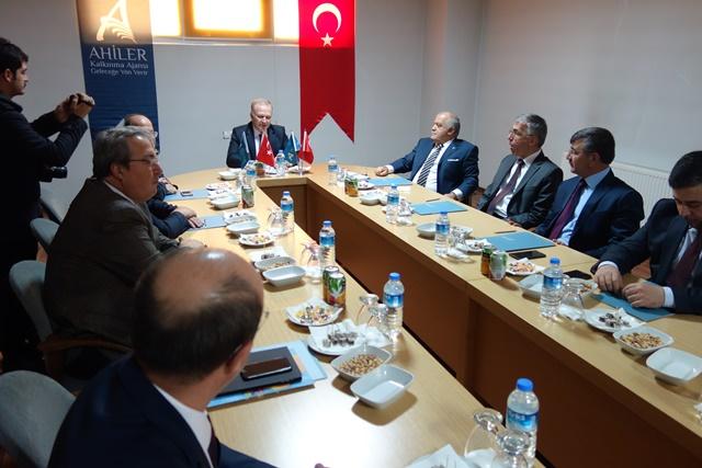 AHİKA Yönetim Kurulu Toplantısı Niğde'de Yapıldı