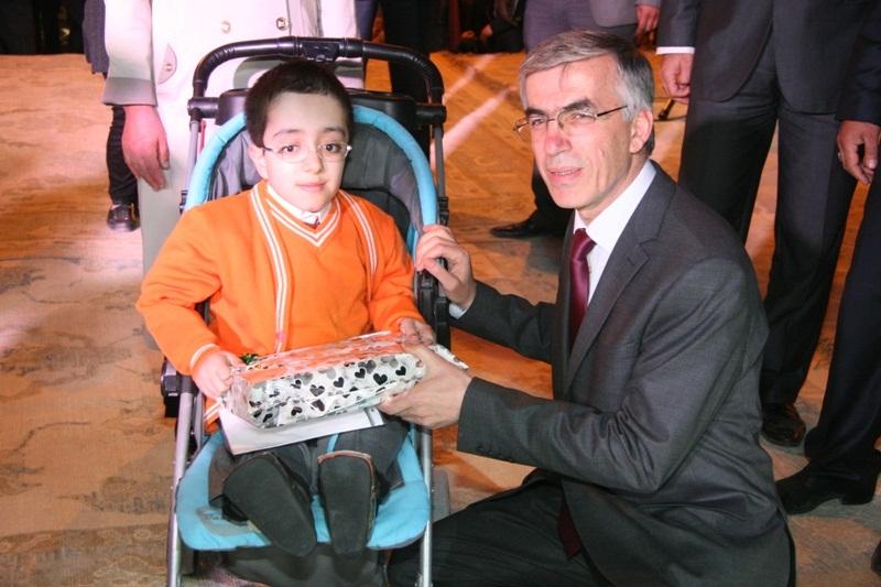 Vali Şeref Ataklı'nın Engelliler Haftası Mesajı