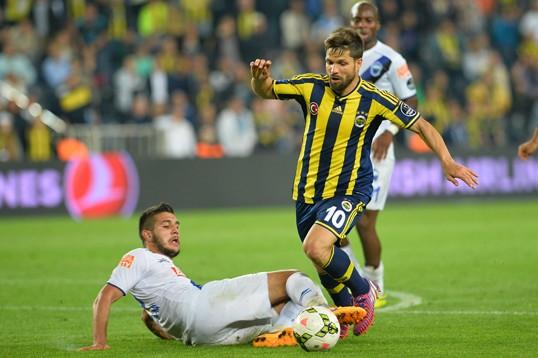 Fenerbahçe kendini ateşe attı