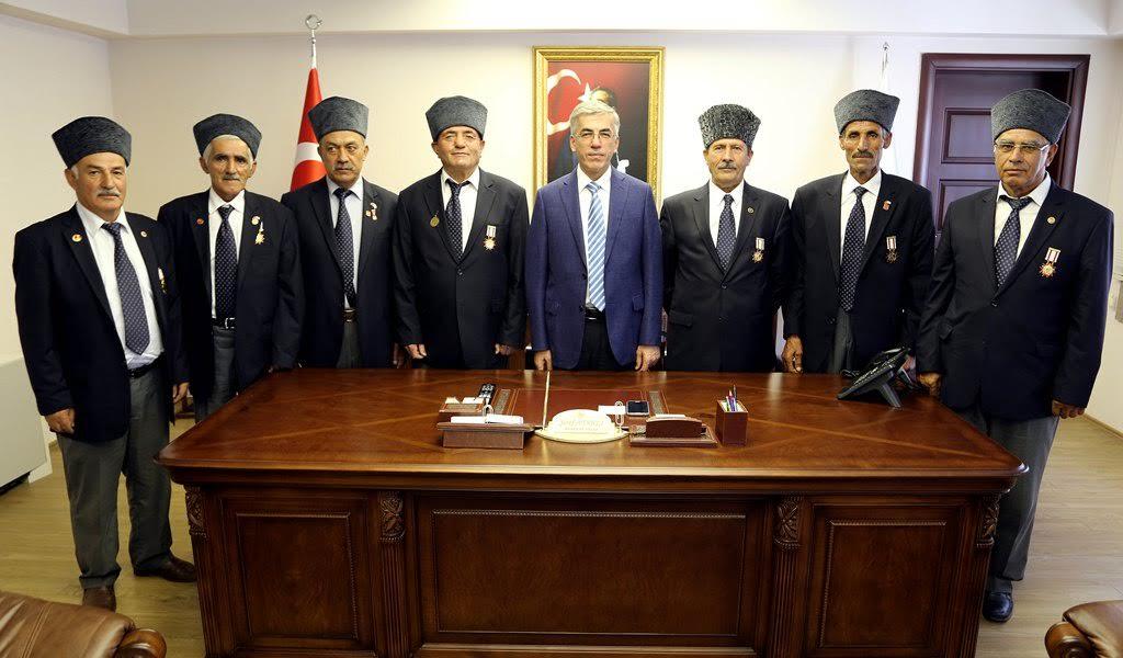 Kıbrıs Gazileri Vali Şeref Ataklı'yı ziyaret etti