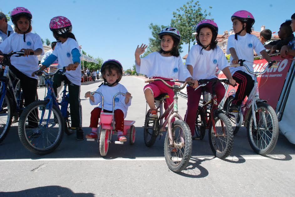 Haydi Çocuklar Düz Bisiklet Yarışına