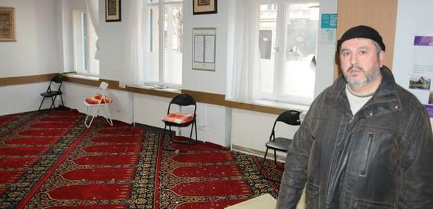 Berlin'de camiye saldırı