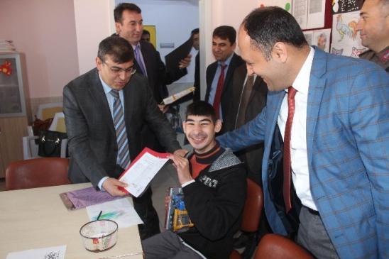 Beyşehir'de Özel Çocukların Karne Heyecanı