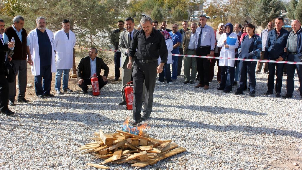 Aksaray Devlet Hastanesinde Yangın Söndürme Tatbikatı