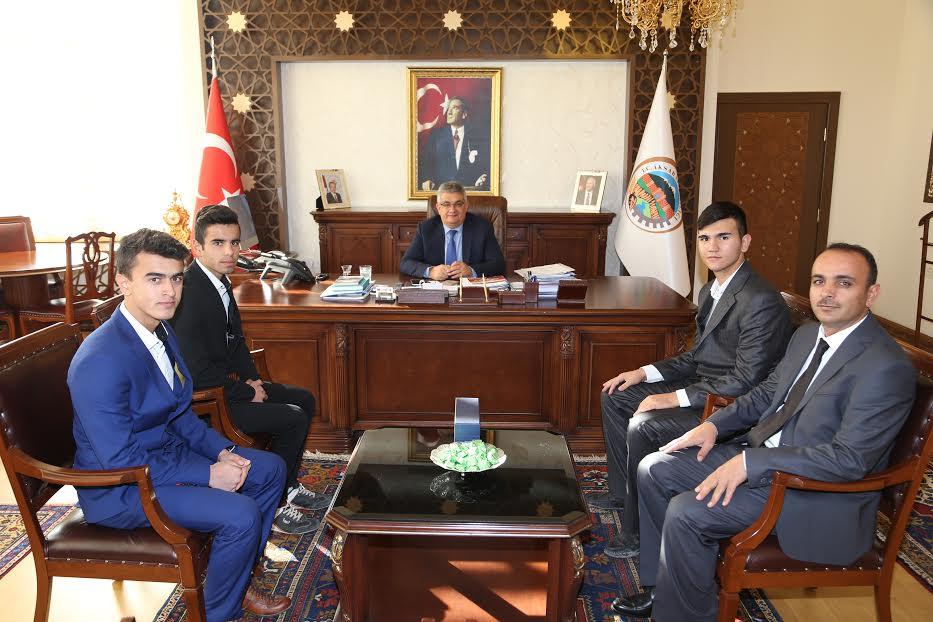Öğrenci Meclisinden Vali Aykut Pekmez'e ziyaret