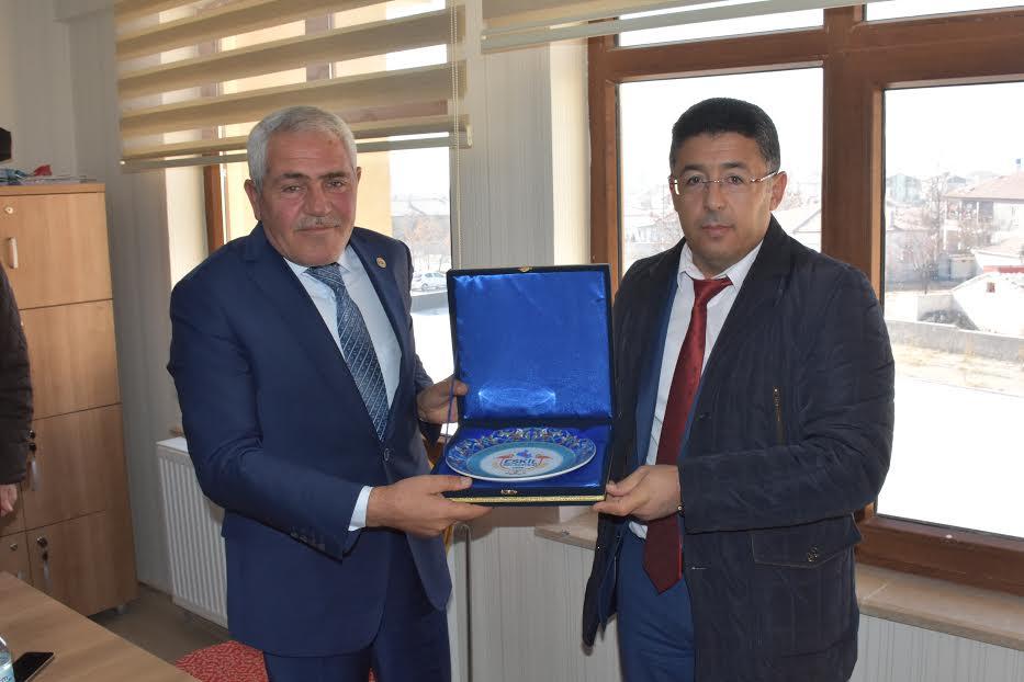 Başkan Alçay'dan 24 Kasım Öğretmenler Gününde anlamlı ziyaret