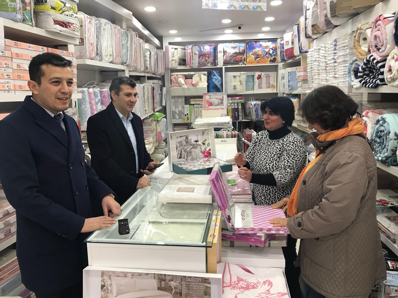 """Başkan Altınsoy  ve Aktürk """"Şemsiyeli Sokak Esnafıyla Bir Araya Geldiler"""""""