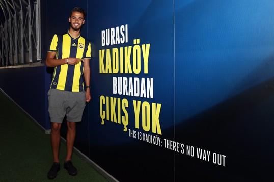 Türkiye'nin en büyük kulübüne geldiğim için çok mutluyum