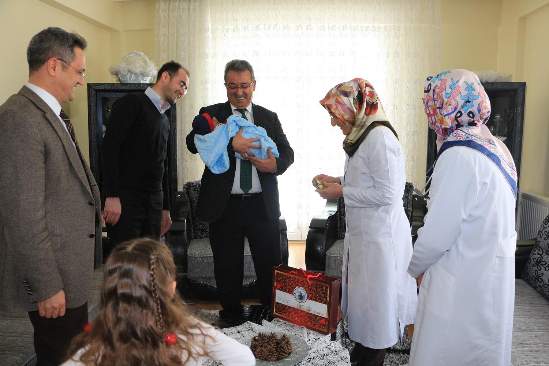 Karatay Belediyesi Hoş Geldin Bebek Projesi ile Vatandaşların Mutluluklarına Ortak Oluyor