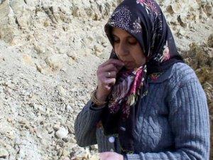 Çekirdek gibi Toprak Yiyen Kadınlara Kanser Taraması