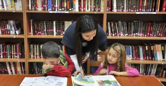 Çocuk Kitapları Haftasında Çocuklar Kütüphane İle Tanıştı
