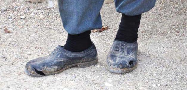 Çok konuşulan ayakkabıları bakın kim aldı?