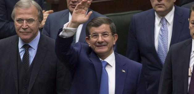 Davutoğlu'nun Necip Fazıl tepkisi: Kesmek olmaz!
