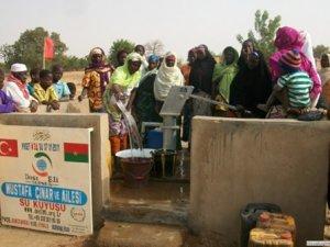 Dost Eli Yardım Elini Afrika'ya uzatıyor