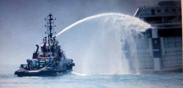 Adriyatik'te 478 yolculu gemi yanıyor!