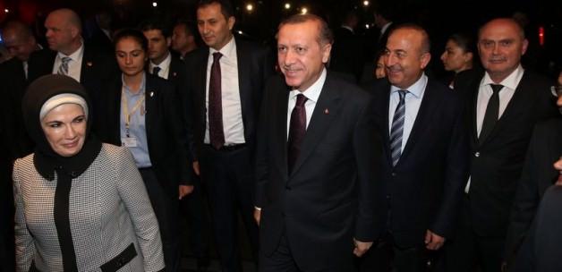 Erdoğan eşi ile birlikte İstanbul'a geldi