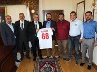 Aksaray Belediyespor Yönetim Kurulu Vali Aykut Pekmez'e ziyaret!