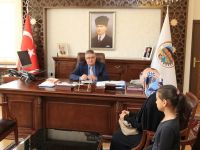 Vali Aykut Pekmez 'Halk Günü' Toplantısında vatandaşların sorunlarını dinliyor